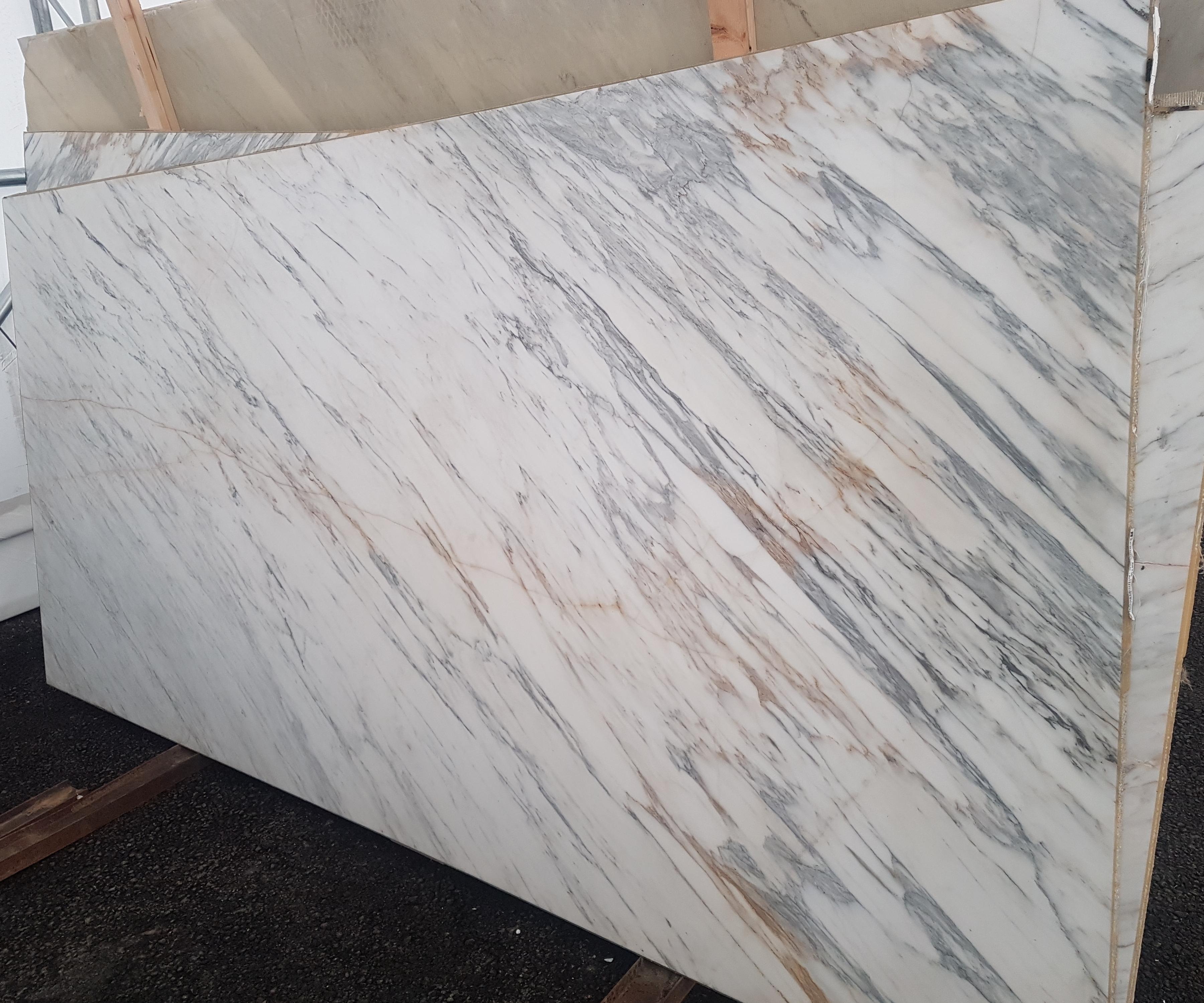 Carrara White 12mm